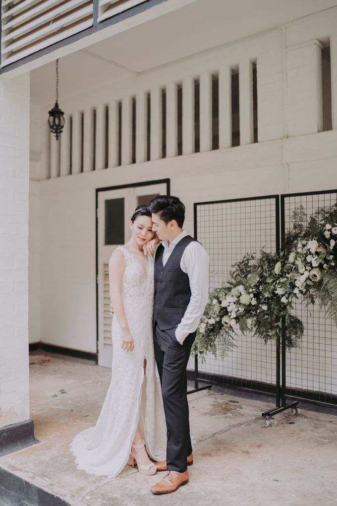 Modern English Colonial by Makeup Maestro Weddings - 006