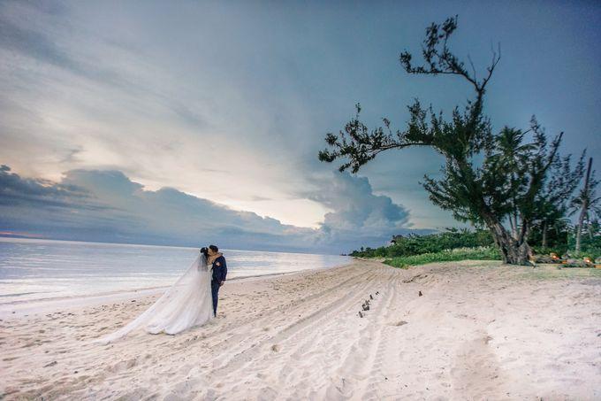 Elina & Erick / Balesin Wedding by Verse Studios - 001