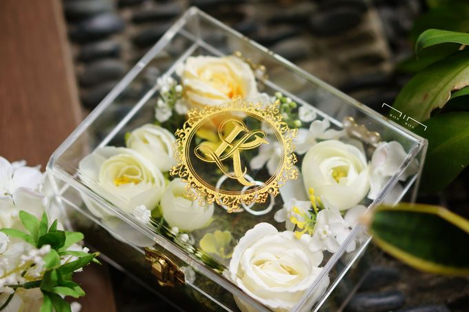 Wedding Ring Box with Flower by NINbox.box - 004
