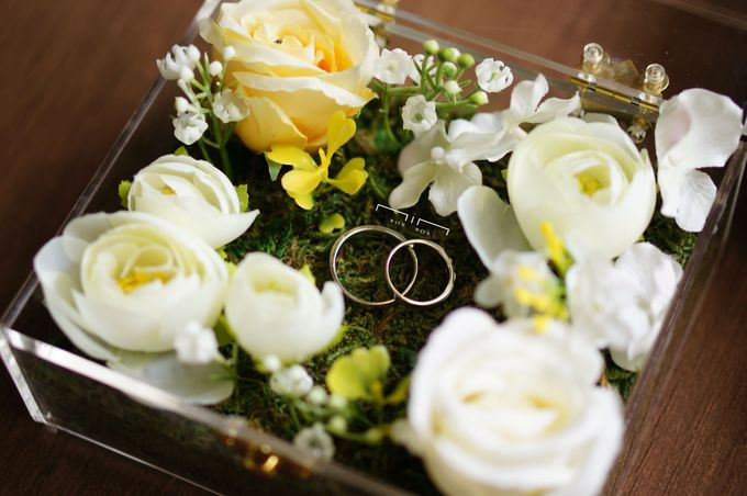 Wedding Ring Box with Flower by NINbox.box - 005