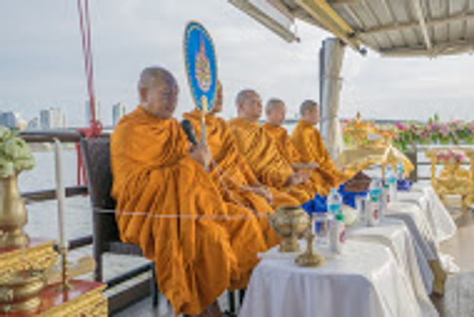 River Cruise Wedding with Monk Blessing by Dream Asia Weddings - 005