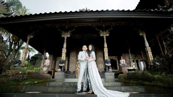 VERY TRI YULISMAN & JANNETTE JULIANIS PRE WEDDING by My Creation Art - 002