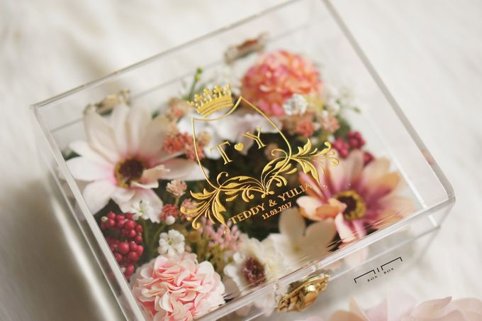 Wedding Ring Box with Flower by NINbox.box - 001