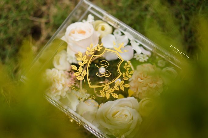 Wedding Ring Box with Flower by NINbox.box - 007