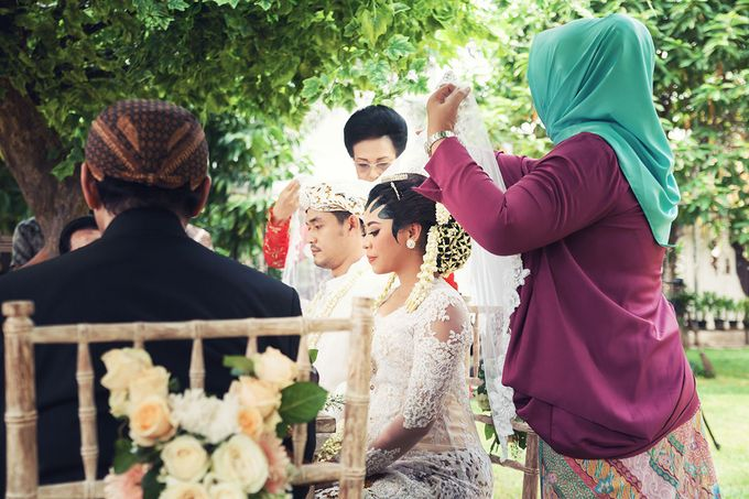 Wedding of Ajeng and Yudhi by: Gofotovideo by GoFotoVideo - 001