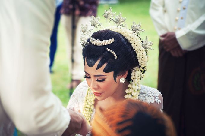 Wedding of Ajeng and Yudhi by: Gofotovideo by GoFotoVideo - 006