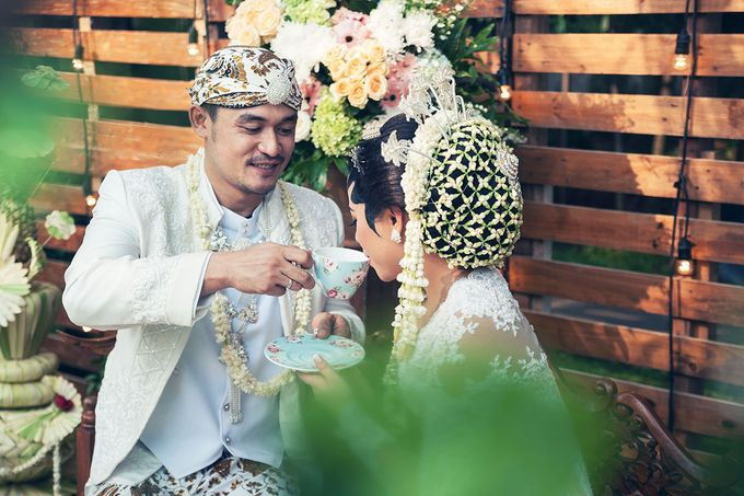 Wedding of Ajeng and Yudhi by: Gofotovideo by GoFotoVideo - 012