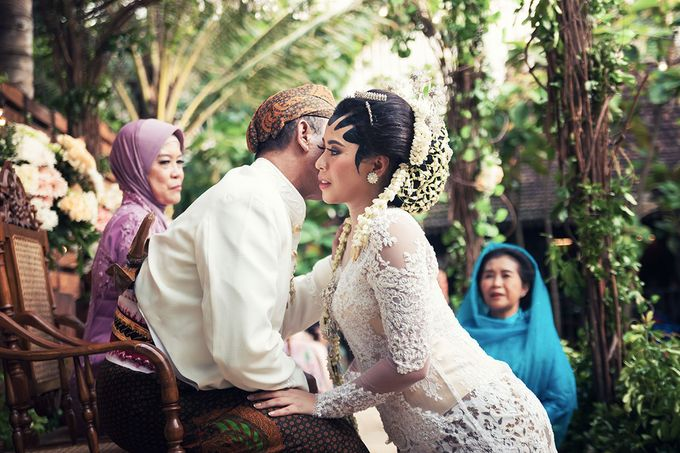 Wedding of Ajeng and Yudhi by: Gofotovideo by GoFotoVideo - 009