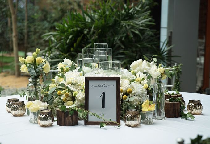 Gorgeous Outdoor Wedding by Spring Cottage - 006