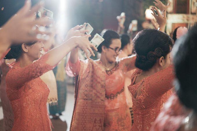 Togi & Jesicca - Holy Matrimony & Batak Ceremony by JAYSU Weddings by Jacky Suharto - 041
