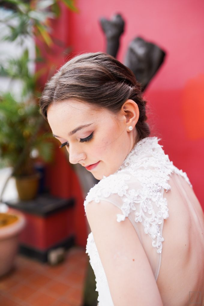 An Urban Bridal Styled Shoot in Joo Chiat Singapore by Peach Frost Studio - 025