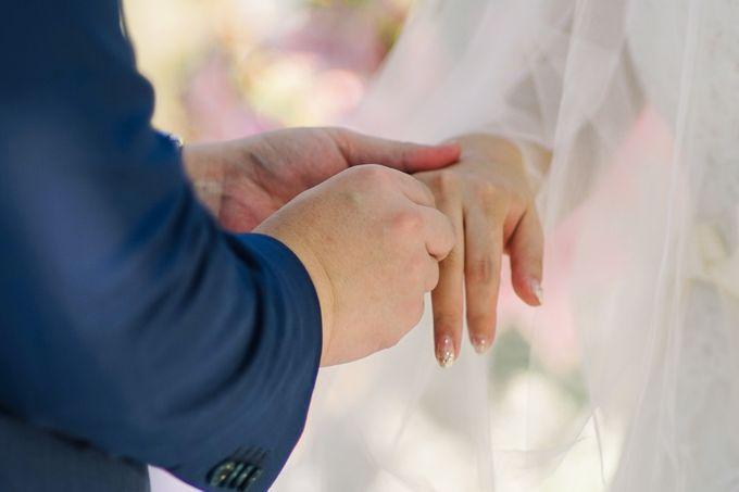 Elina & Erick / Balesin Wedding by Verse Studios - 035