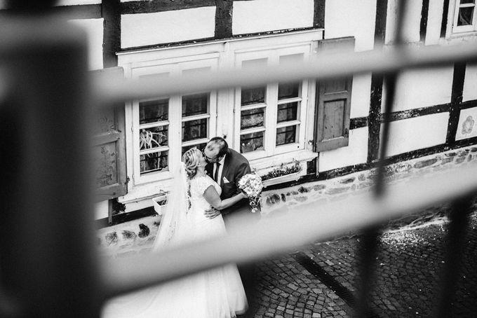 Amazing green wedding by InMoment Wedding Photography - 022