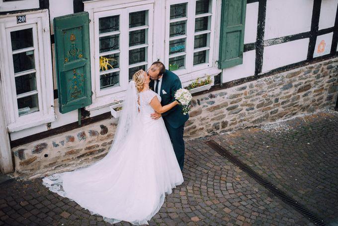 Amazing green wedding by InMoment Wedding Photography - 023