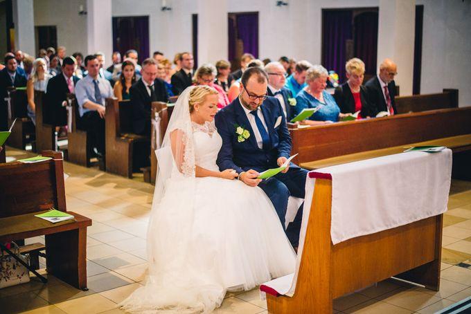 Amazing green wedding by InMoment Wedding Photography - 009