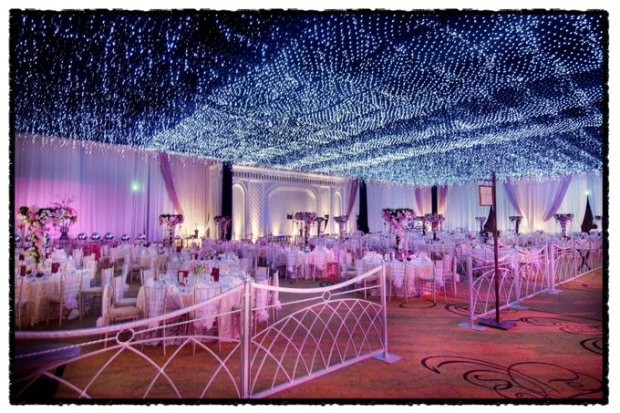 Beautiful Wedding Light of Nicole & Shaun by Etcetera Lighting - 002
