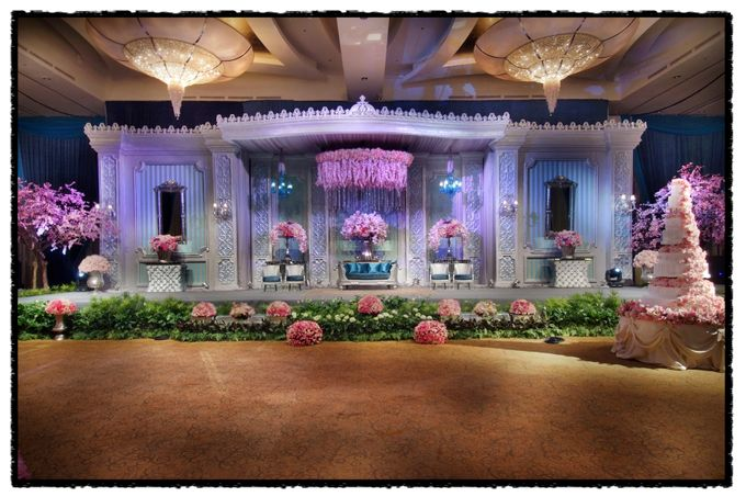 Beautiful Wedding Light of Andrew & Agnes by Etcetera Lighting - 005