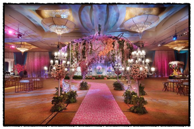 Beautiful Wedding Light of Andrew & Agnes by Etcetera Lighting - 004