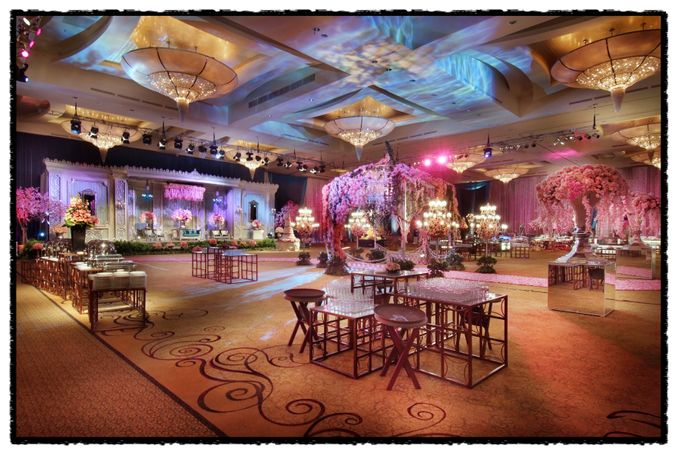 Beautiful Wedding Light of Andrew & Agnes by Etcetera Lighting - 002
