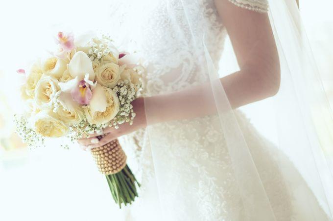 My elegantly intimate wedding by Anaz Khairunnaz - 008