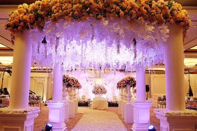 Andreas & Daina Wedding - Mandarin oriental by The Swan Decoration - 004