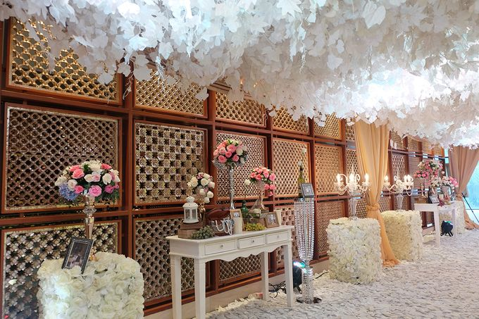 Andreas & Daina Wedding - Mandarin oriental by The Swan Decoration - 010