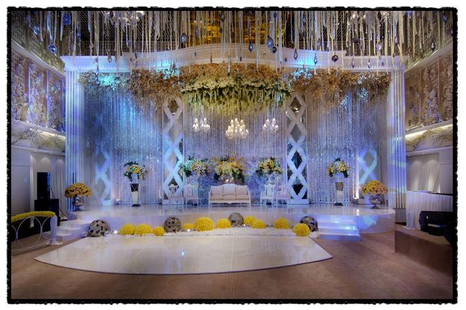 Beautiful Wedding Light of Leonel & Grace by Etcetera Lighting - 003