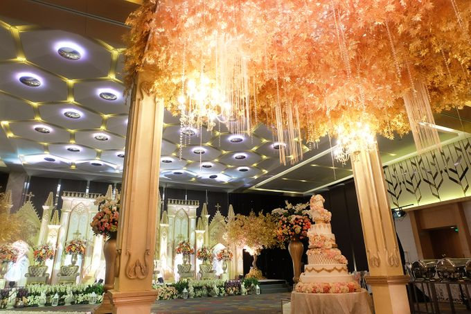 The Wedding of Andrew & Vina - Holiday Inn Kemayoran by The Swan Decoration - 005