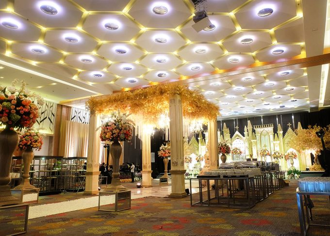 The Wedding of Andrew & Vina - Holiday Inn Kemayoran by The Swan Decoration - 010