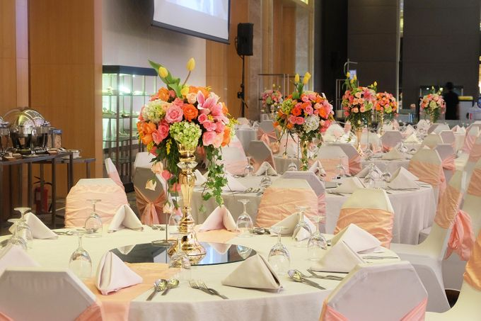 The Wedding of Andrew & Vina - Holiday Inn Kemayoran by The Swan Decoration - 012