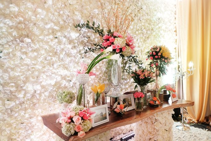 The Wedding of Andrew & Vina - Holiday Inn Kemayoran by The Swan Decoration - 013
