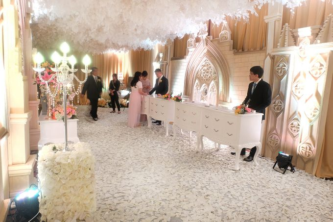 The Wedding of Andrew & Vina - Holiday Inn Kemayoran by The Swan Decoration - 019