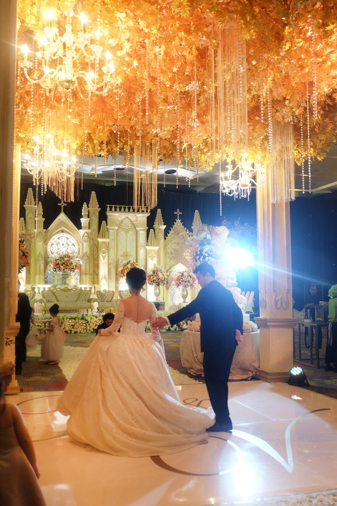 The Wedding of Andrew & Vina - Holiday Inn Kemayoran by The Swan Decoration - 021