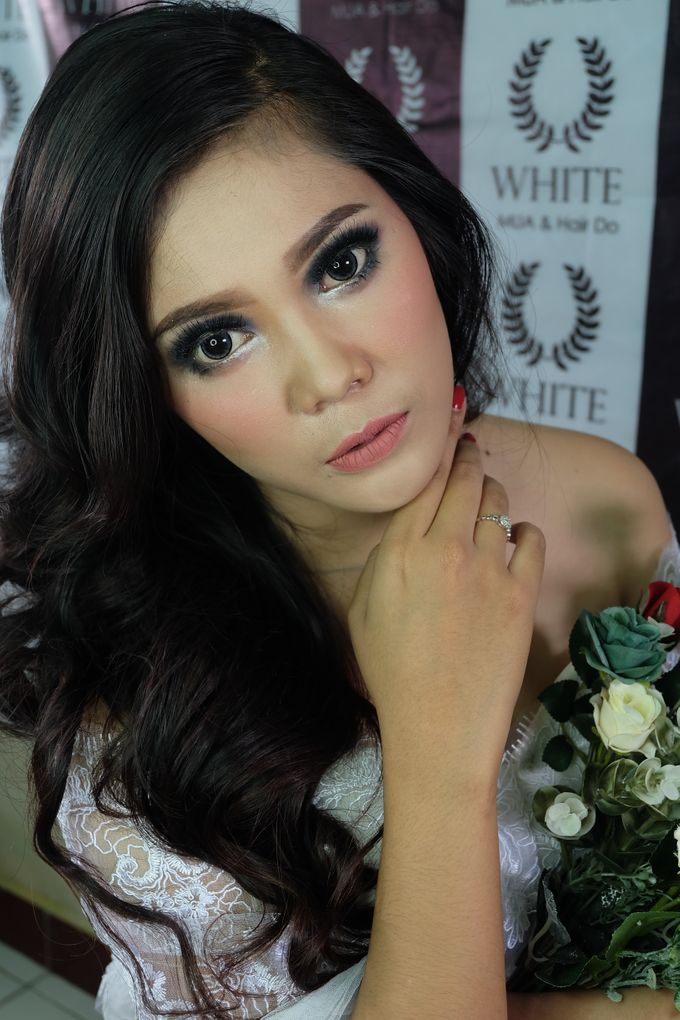 prewedding by White Make Up and Hair Do - 001