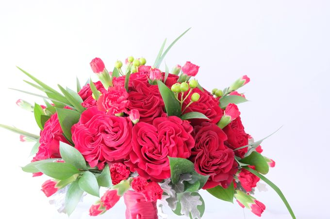 Red Rose Garden Bouquet by Il Fiore - 004