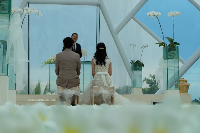 Diamond Chappel Bali - Michael & Intan Wedding by Impressions Wedding Organizer - 016