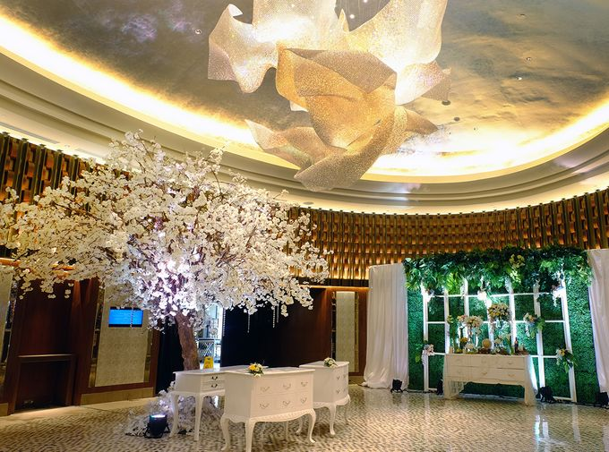 The Wedding of David and Dewi - Ayana Midplaza Jakarta by The Swan Decoration - 006