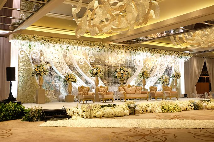 The Wedding of David and Dewi - Ayana Midplaza Jakarta by The Swan Decoration - 011