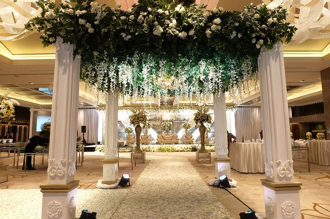 The Wedding of David and Dewi - Ayana Midplaza Jakarta by The Swan Decoration - 012