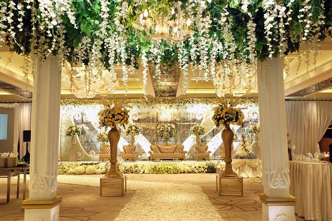 The Wedding of David and Dewi - Ayana Midplaza Jakarta by The Swan Decoration - 015