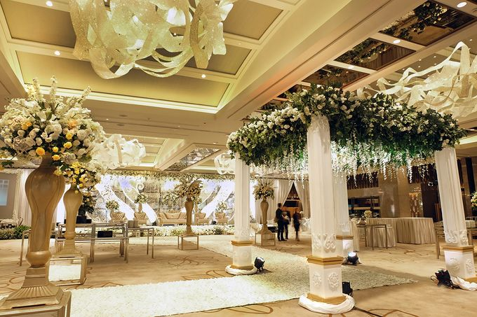 The Wedding of David and Dewi - Ayana Midplaza Jakarta by The Swan Decoration - 016
