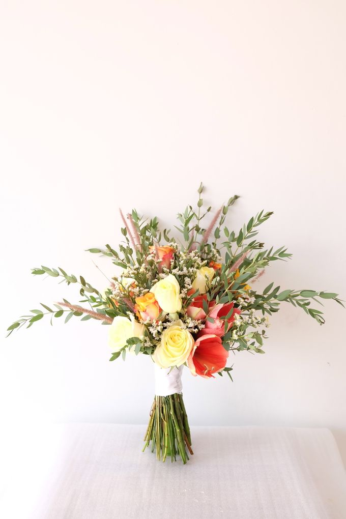 Natural Rustic Bouquet by Il Fiore - 001