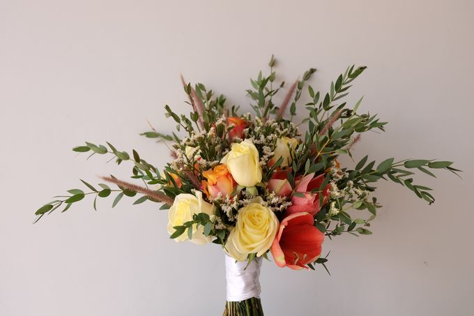 Natural Rustic Bouquet by Il Fiore - 002