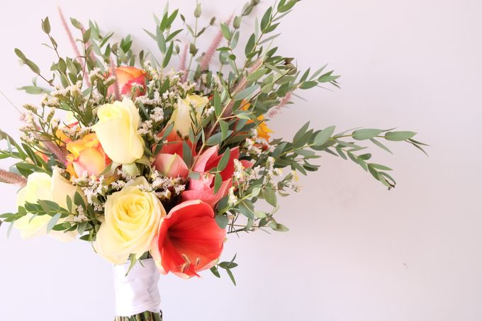 Natural Rustic Bouquet by Il Fiore - 005