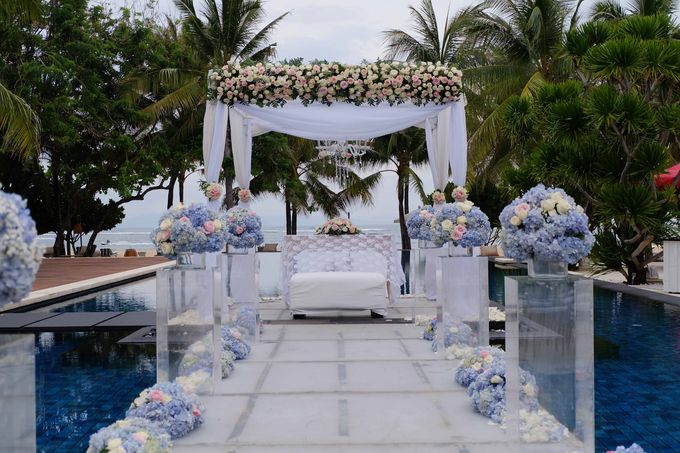Wedding and Dinner of Christopher & Nindy by The Royal Santrian Luxury Beach Villa - 005