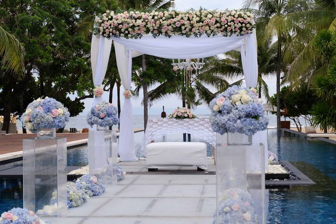 Wedding and Dinner of Christopher & Nindy by The Royal Santrian Luxury Beach Villa - 006