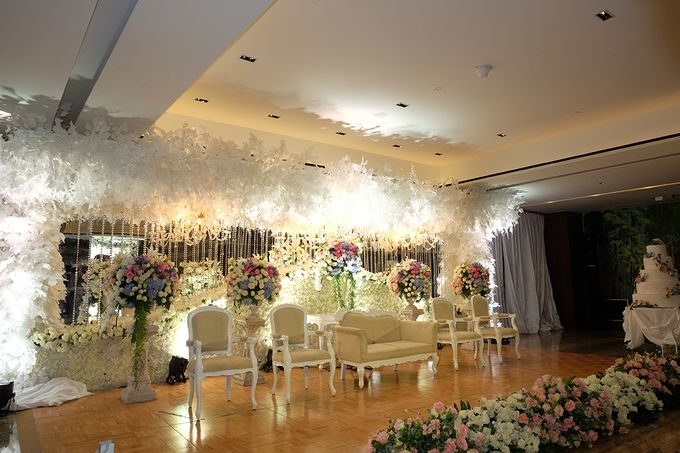 The Wedding of Marshal & Maya - Grand Hyatt on Five by The Swan Decoration - 016