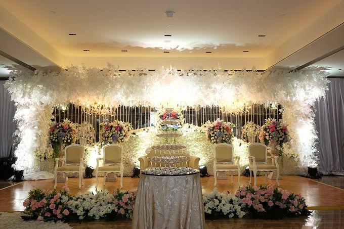 The Wedding of Marshal & Maya - Grand Hyatt on Five by The Swan Decoration - 017