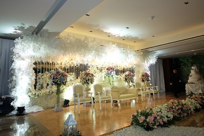 The Wedding of Marshal & Maya - Grand Hyatt on Five by The Swan Decoration - 018