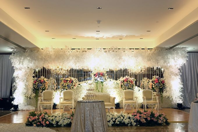 The Wedding of Marshal & Maya - Grand Hyatt on Five by The Swan Decoration - 021